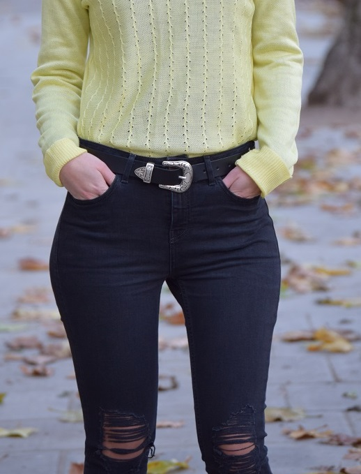 Ripped Jeans Leather Belt