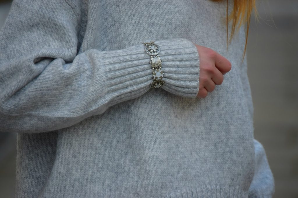 Winter jumper bracelet