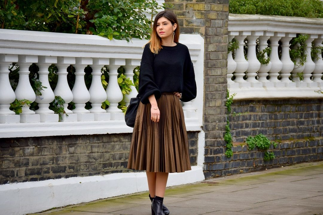 Oversized Knit and Pleather Skirt Outfit